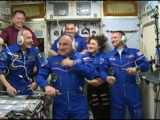 L'astronauta italiano Parmitano ha raggiunto la stazione spaziale sarà comandante per 200 giorni