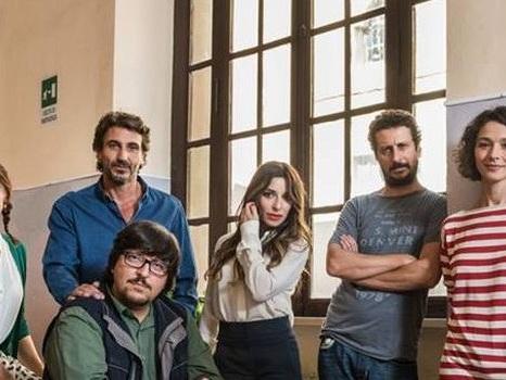 Immaturi – La serie in onda su Canale5, ufficiale la programmazione da gennaio 2018: addio Raoul Bova, arriva Daniele Liotti