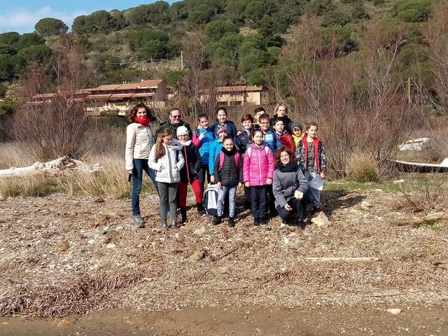 I piccoli scienziati di Porto Azzurro studiano la Zona umida di Mola