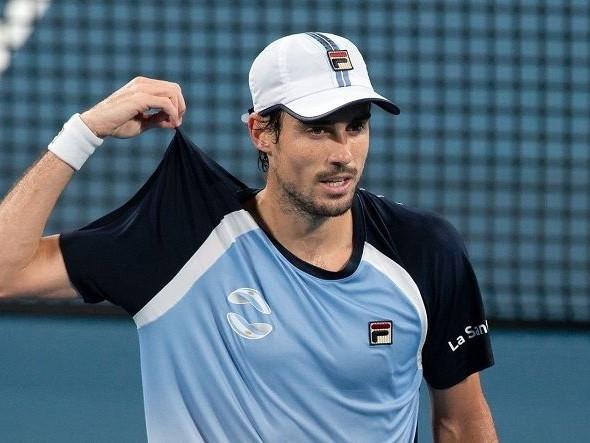 """Guido Pella duro verso alcuni Big: """"Ho visto delle foto e il balcone di Novak Djokovic è più grande della mia stanza. Ma trovo più strano il silenzio di Dominic Thiem e Rafael Nadal"""""""
