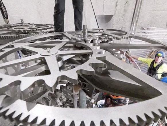 Un orologio che dura 10.000 anni: ecco l'ultima idea di Jeff Bezos