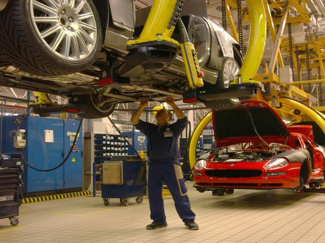 """""""Cartello tra le case auto tedesche"""". L'accusa dello Spiegel fa crollare i titoli delle principali aziende automobilistiche"""
