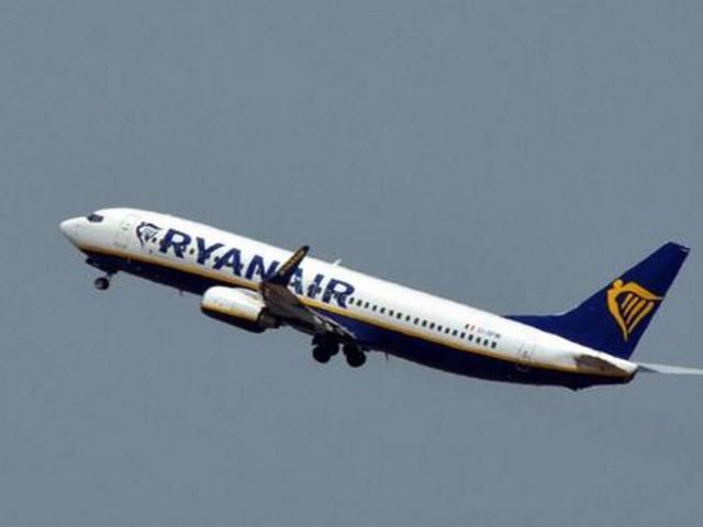 Ryanair, bagaglio a mano rimane a pagamento: il Tar ha accolto il ricorso della compagnia