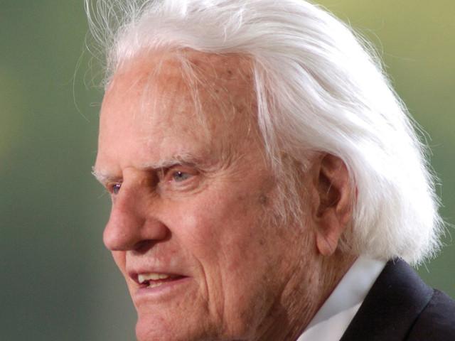 """Addio al """"confessor-in-chief"""" Billy Graham, consigliere spirituale di 12 presidenti Usa"""