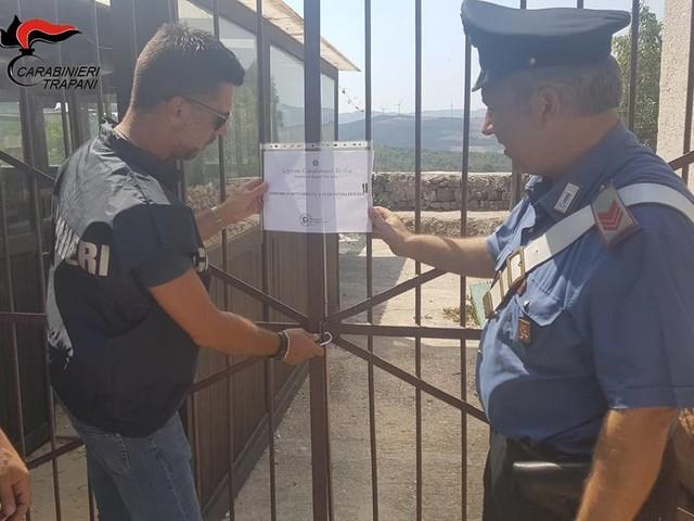 Carabinieri interrompono rave party a base di Cocaina e Mdma: tre arresti, sequestrato il locale dove si tenevano le feste (FOTO E VIDEO)