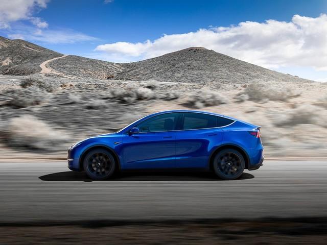Tesla Model Y Standard Range è ancora disponibile ma ad Elon Musk non piace