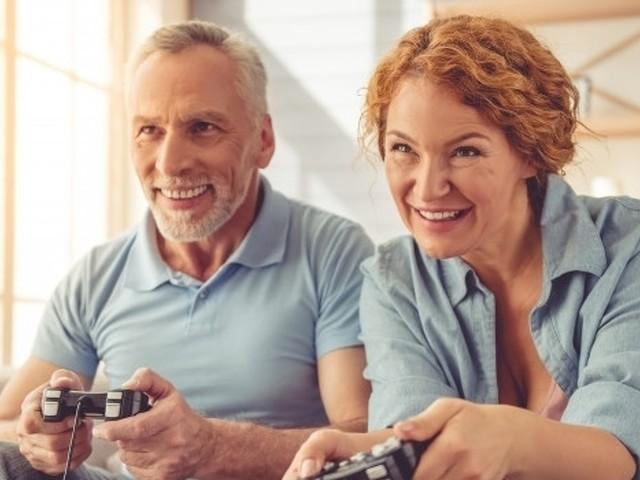 Videogiochi roba per...'anziani'! È boom di giocatori over 55