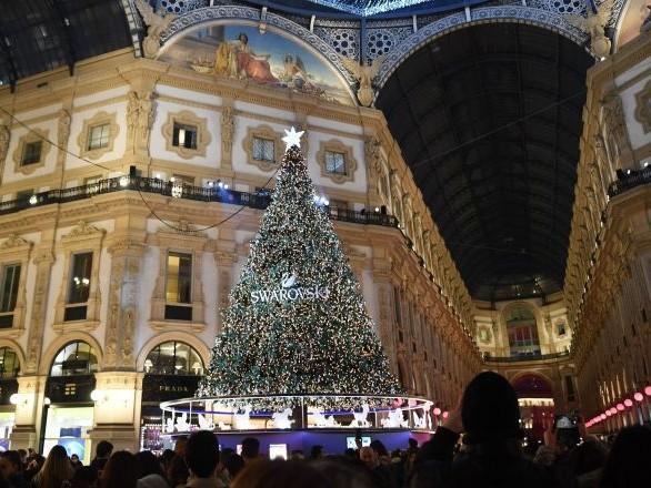 A Natale gli italiani saranno più green. Meno plastica sotto l'albero – Indagine