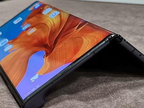 Clamoroso rinvio anche per il Huawei Mate X con problemi al display? Infame destino per i pieghevoli