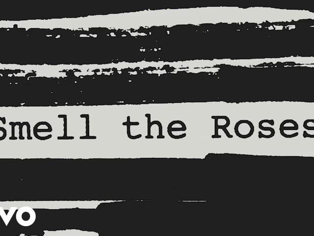 """Roger Waters: """"Smell the roses"""" è il primo singolo svelato"""