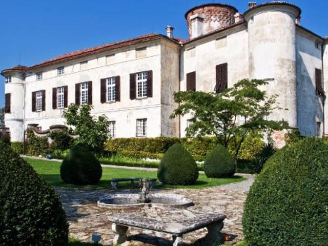 """Ferragosto con """"Castelli Aperti"""": le dimore storiche del Piemonte visitabili il 15 agosto"""