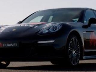 Porsche Panamera: la prima vettura guidata da uno smartphone