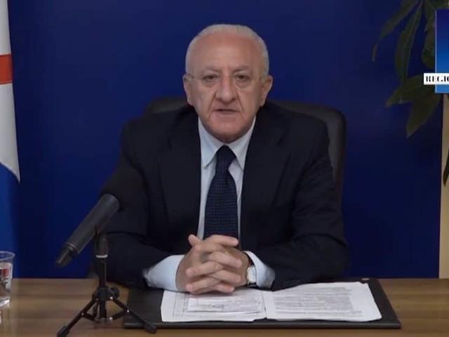 """Vincenzo De Luca: """"Abbiamo deciso di approvare delle ordinanze restrittive"""". Ecco le novità"""
