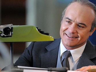 Programmi TV di stasera 19 novembre: Adriano Olivetti su Rai 1, Il Collegio su Rai 2