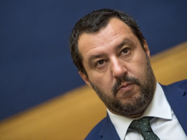 """Matteo Salvini sulla Rai: """"Alcuni renziani resteranno"""". È polemica: """"Non fa lui le nomine"""""""