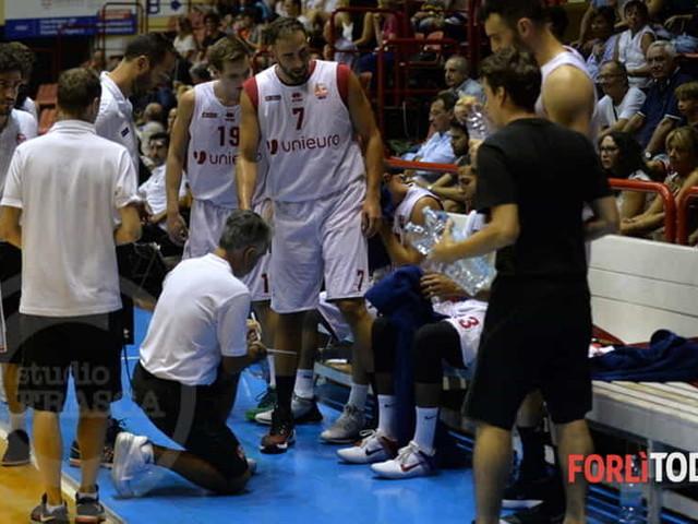 """Basket, Memorial """"Pajetta"""": l'Unieuro se la gioca fino all'ultimo, ma in finale ci va Udine"""