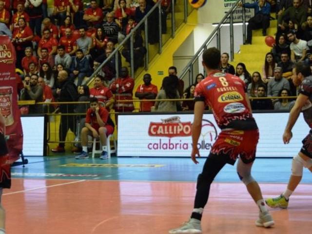 Superlega, Perugia sempre travolgente. Modena vince solo al tie break