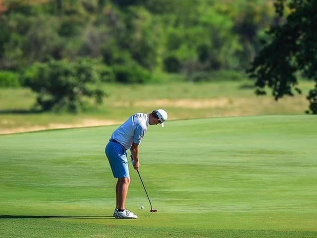 Golf, al Mauritius Open in cinque al vertice. Paratore ventiduesimo