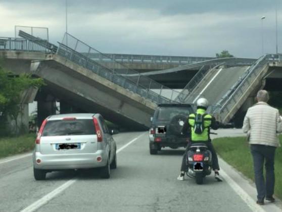 Ponte Tangenziale di Fossano: crollo improvviso schiaccia auto dei carabinieri (FOTO)