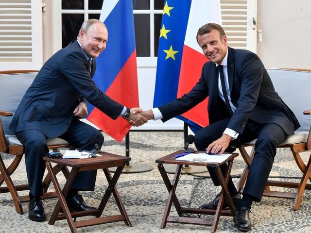 Macron-Putin, faccia a faccia per ridisegnare l'Europa