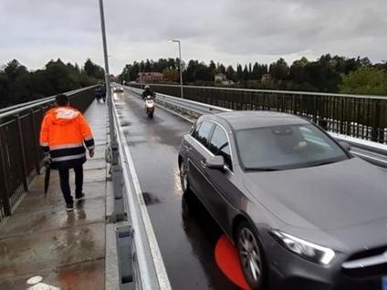 Calusco, da oggi le auto sul ponte - Foto «Ok ai binari tra Bergamo e Orio»