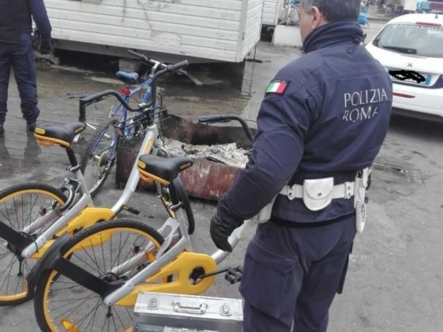 Polizia Roma Capitale, blitz del reparto SPE al villaggio solidarietà di Via di Salone e a Ponte Lanciani