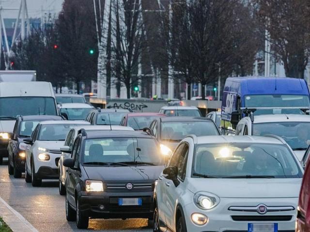 Trasporti, evitato (per ora) il blocco di nove milioni di automezzi