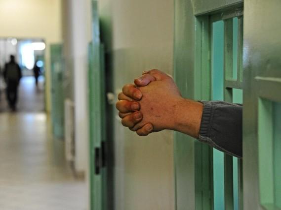 Chi comanda in carcere: ecco come funziona la gerarchia tra i detenuti
