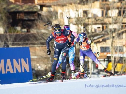 VIDEO Lisa Vittozzi seconda nella mass start di Pokljuka: highlights e sintesi della gara, primo podio stagionale dell'azzurra
