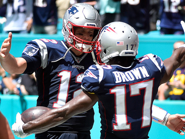 WATCH: Antonio Brown Celebrates His First Patriots Touchdown With Tom Brady