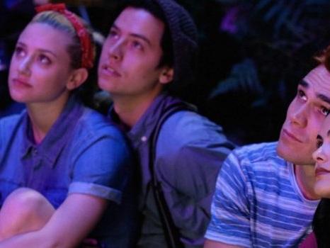 Il trailer di Riverdale 4 svela il destino di Jughead tra misteri, omicidi e ritorni di fiamma (video)