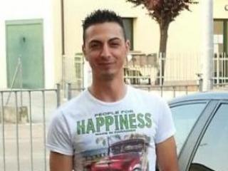 Omicidio in Emilia, ucciso giovane originario di Cutro Prima gli hanno bruciato l'auto poi gli spari sotto casa