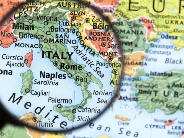 """Sette """"frammenti d'un discorso amoroso"""" per l'Italia in cerca di migliore sviluppo"""