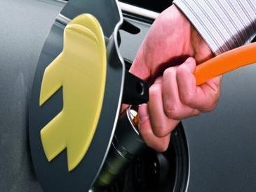 Altroconsumo: «L'auto elettrica è la più conveniente anche per i costi»