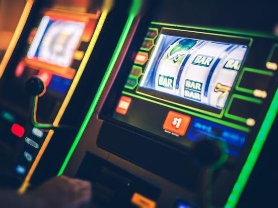 Ventimiglia, il sindaco stacca la corrente alle slot machine