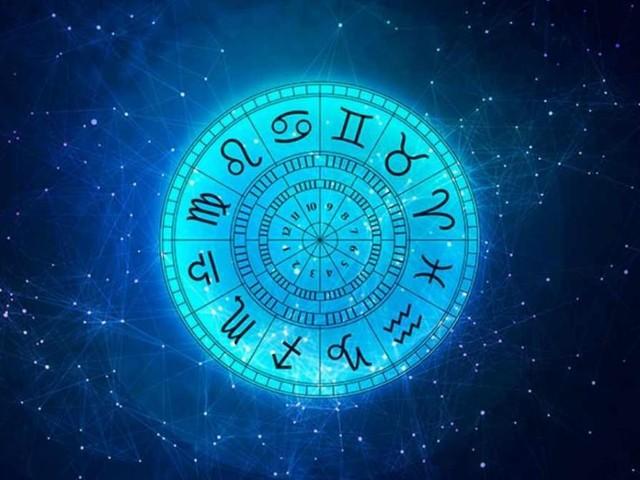 Previsioni astrologiche di sabato 25 settembre: Cancro emotivo, Sagittario stressato