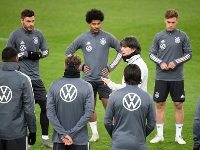 Calcio in tv, le partite di oggi 19 novembre: dove vedere in chiaro Germania-Irlanda ore 20.45