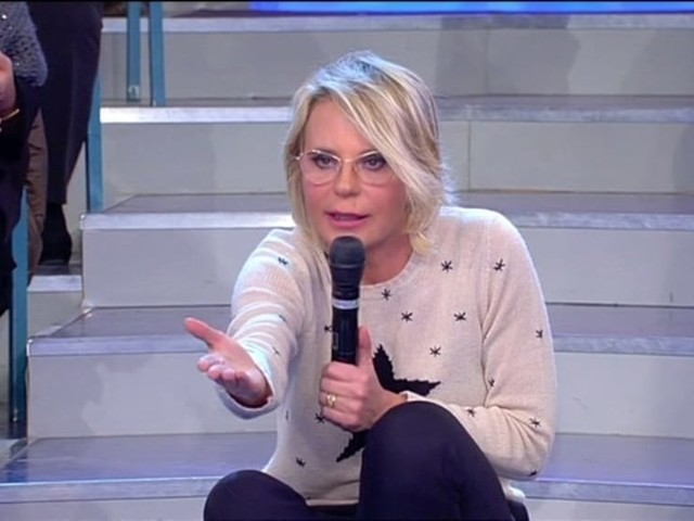 """Maria De Filippi minaccia un tronista: """"Questa è la tua ultima puntata qua"""""""