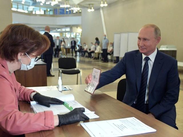 Referendum costituzionale Russia, dopo 20 anni Putin potrebbe scegliere di 'raddoppiare'