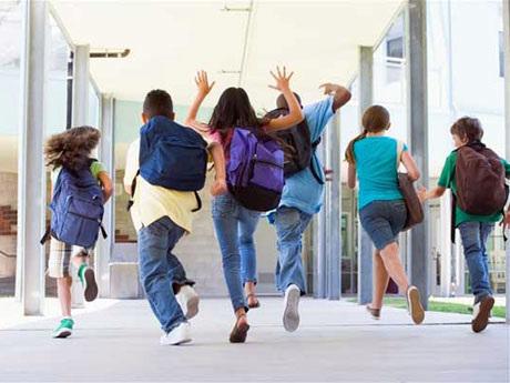 """Bussetti: """"Meno compiti per le vacanze"""". Anche i docenti sono d'accordo"""