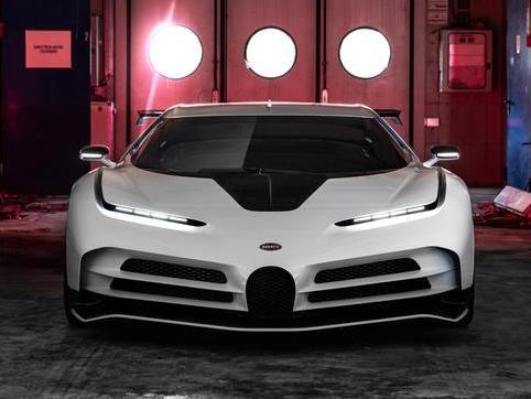 """Bugatti Centodieci, lo sguardo affilato del """"mostro"""" vale 8 milioni di euro"""