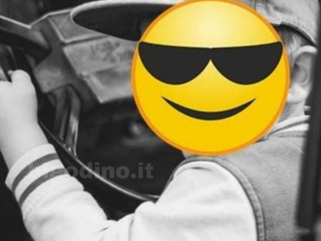 Germania, bimbo di 8 anni guida a 140 km/h in autostrada: fermato dalla polizia