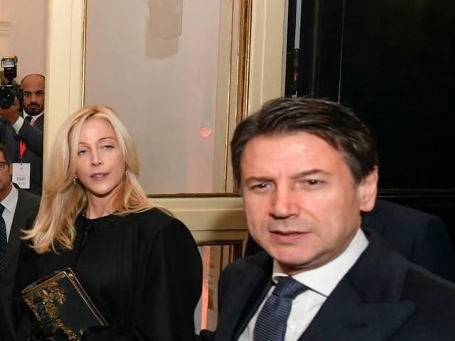 Conte indagato per peculato sull'uso della scorta da parte della sua compagna
