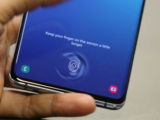 Il Galaxy S10 ha un problema con lo scanner sotto il display: Samsung rilascerà un fix