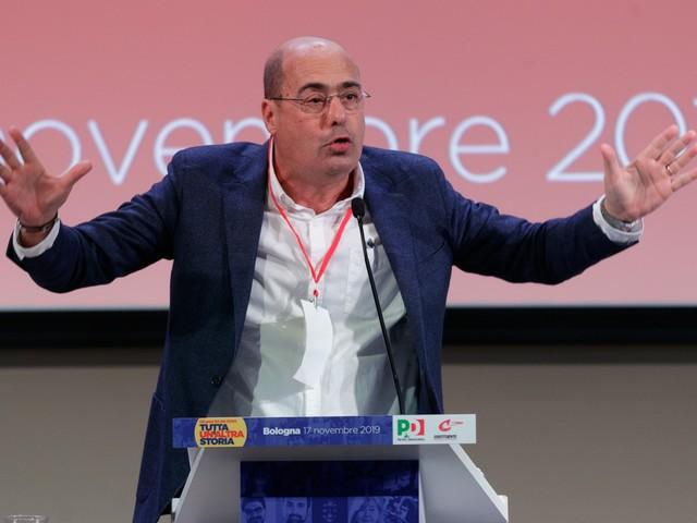 """Zingaretti: """"Il Governo trovi un'anima o noi e Di Maio affonderemo insieme"""""""