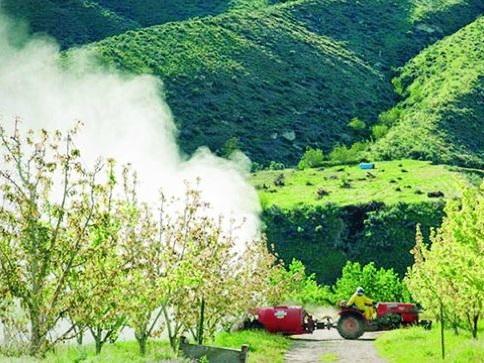 Allarme pesticidi: domani la marcia Radiografia nel documentario trentino di Andrea Tomasi e Leonardo Fabbri