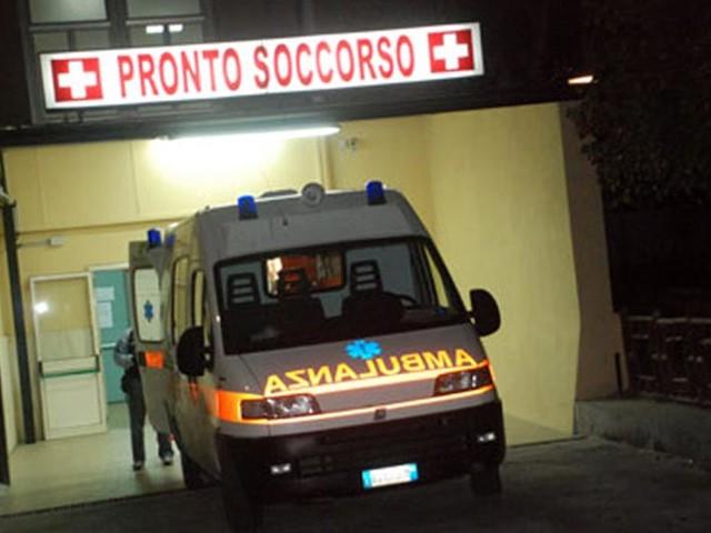 Auto si ribalta in un tunnel, muore ragazza di 16 anni