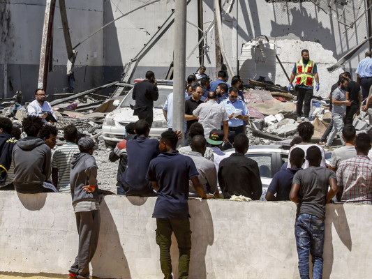 Liberati i 350 profughi detenuti nel campo libico diTagiura