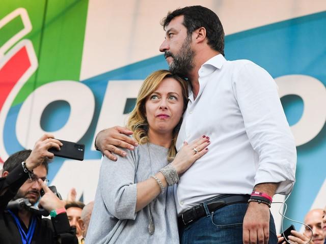Sondaggi elettorali, per la prima volta dopo mesi Lega scende sotto il 30%: boom Fdi, è sopra l'11%