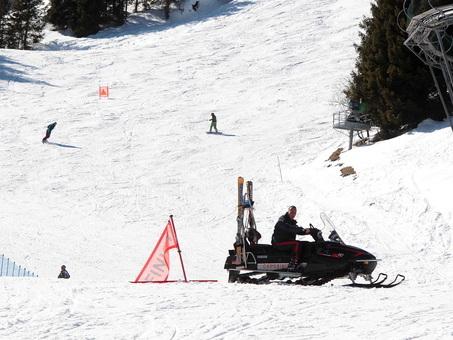 Tragedia sul Civetta: perde il controllo degli sci e precipita nel dirupo. Morto sul colpo